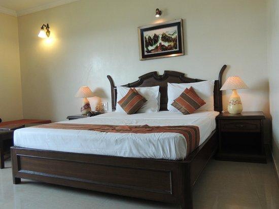 Nazri Resort Hotel: Bed in delux room