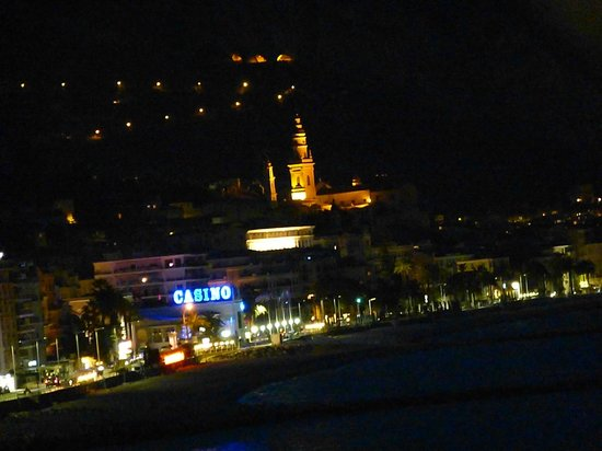 Best Western Hotel Prince De Galles : Night view from room