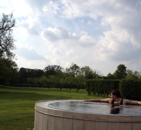 Congham Hall Hotel & Spa: Outside hot tub