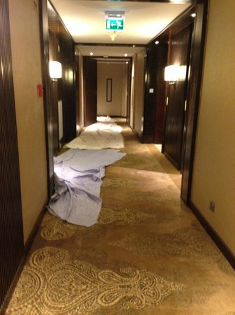 JW Marriott Hotel New Delhi Aerocity: 6th Floor Lobby