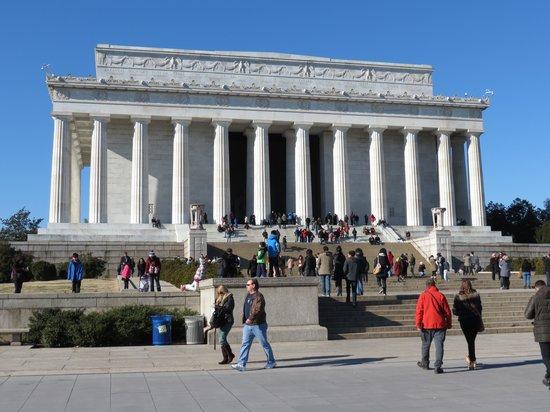 Lincoln Memorial: Lincoln 2