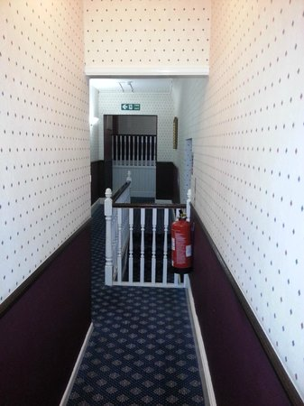 The Belmont Hotel: Wonderful zigzagging corridors