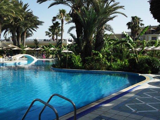 Atrium Palace Thalasso Spa Resort & Villas : pool