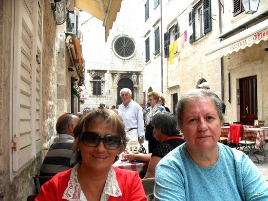 Mea Culpa Pizzeria & Trattoria : simpática callejuela en donde está este lugar