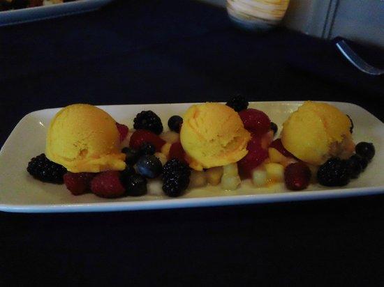 Narcoossee's: Mango sorbet