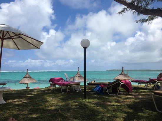 Silver Beach Hotel : The hotel's beach