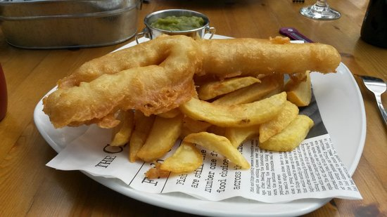 Angel Inn: Battered Cod and chips