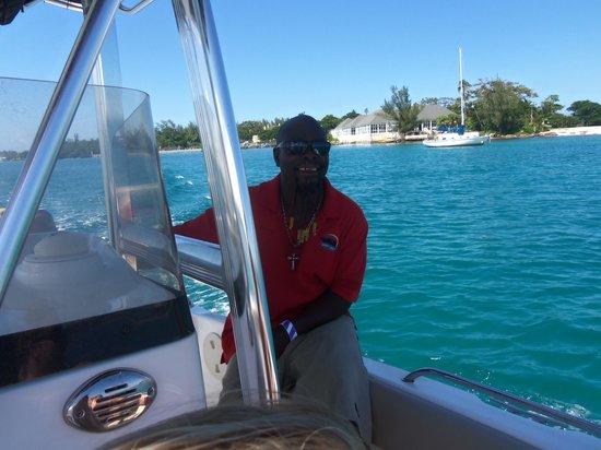 Bahama Boat Tours: capt danny