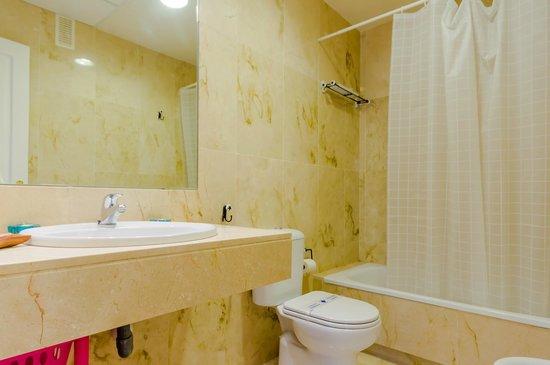 Apartamentos O2 El Puerto: Cuarto de baño
