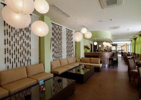 Royal Sun Apartments: Lobby bar