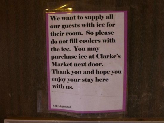 Red Ledges Inn: Ice Machine Warning