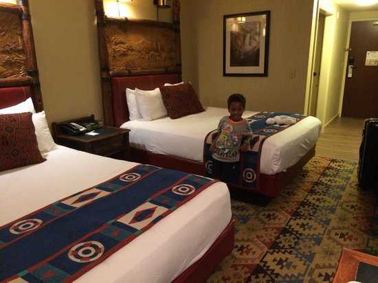 Disney's Wilderness Lodge: Room with two queen beds