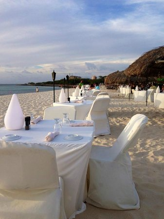 Passions on the Beach : What better way to dine than with your toes in the sand!