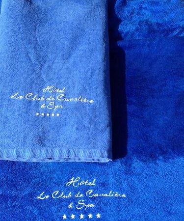 Le Club De Cavaliere & Spa: serviettes de plage