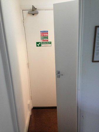 Knaresborough Place Short Stay Apartments: Door