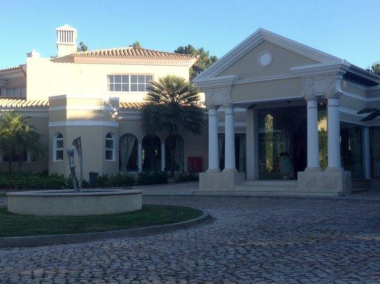 Pinheiros Altos: Club house.