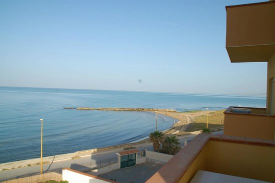 Antica Perla Residence Hotel: view of sea from hotel