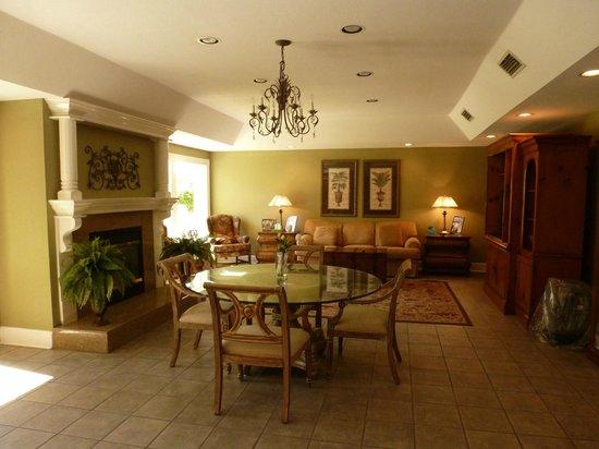 The Beachview Club : Lobby