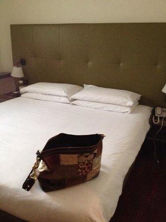 Monopole de la Gare: nice comfy bed
