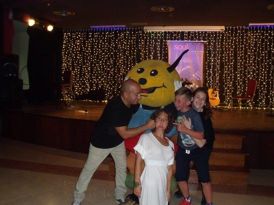 Hotel Elba Sara: entertainment team