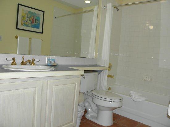 Grande Villas Resort: Master Bathroom