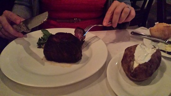 West Side Steakhouse : fillet mignon