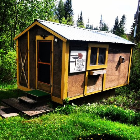 North Fork Hostel and Square Peg Ranch: Our little cabin:)