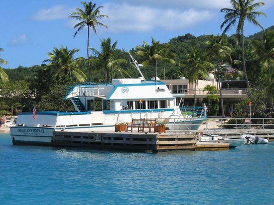 Caneel Bay Resort: The boat that takes you to Caneel