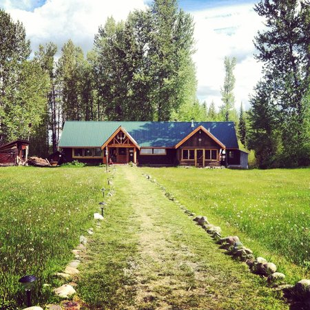 North Fork Hostel and Square Peg Ranch: Northfork hostel west Glacier
