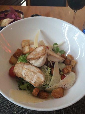 Exe Madrid Norte: Chicken salad