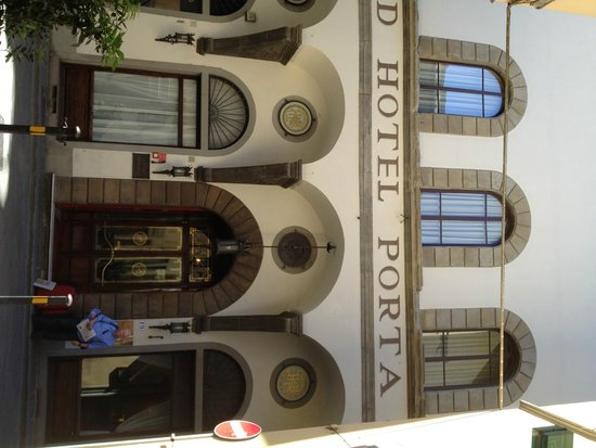 NH Collection Firenze Porta Rossa : Front of Hotel