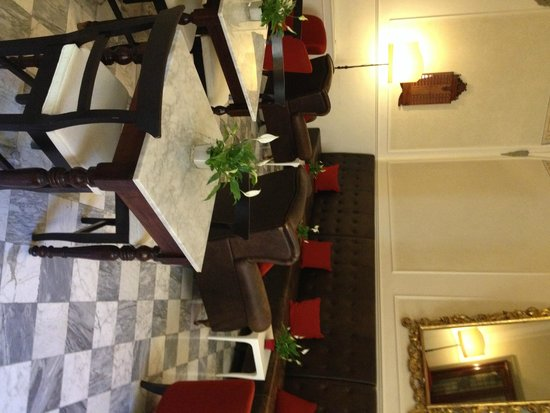 NH Collection Firenze Porta Rossa : Breakfast area