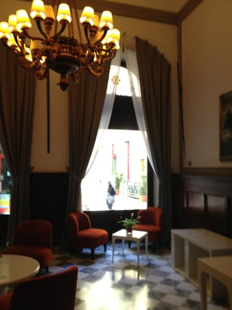NH Collection Firenze Porta Rossa: Lobby
