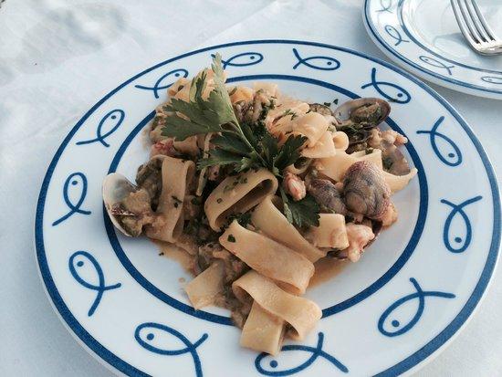 Ristorante Bagni Delfino: Calamarita pasta with seafood