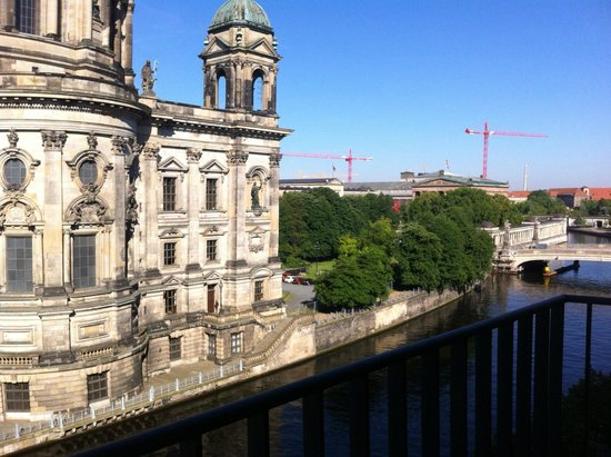 Radisson Blu Hotel, Berlin : View from Executive room on the fifth floor