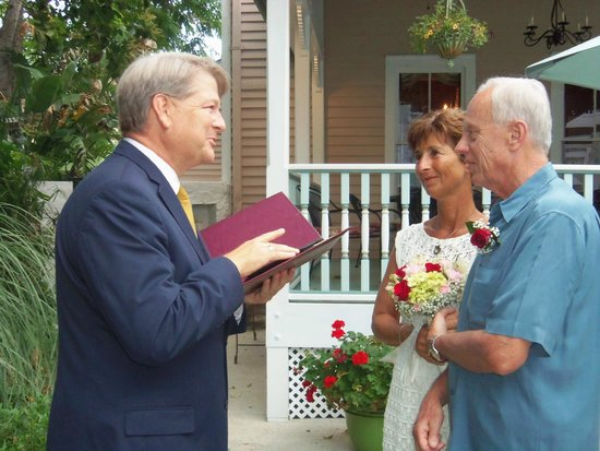 The Kenwood Inn: Renewing our wedding vows in the courtyard