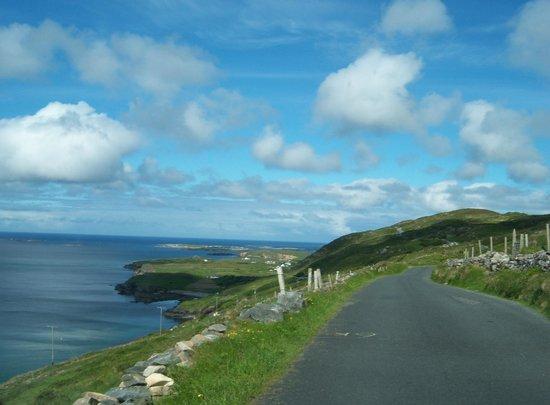 Sky Road : Stunning views and narrow road!