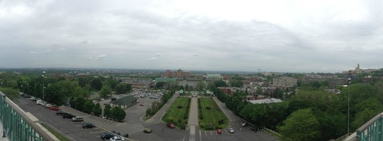 St. Joseph's Oratory of Mount Royal: View of Montreal