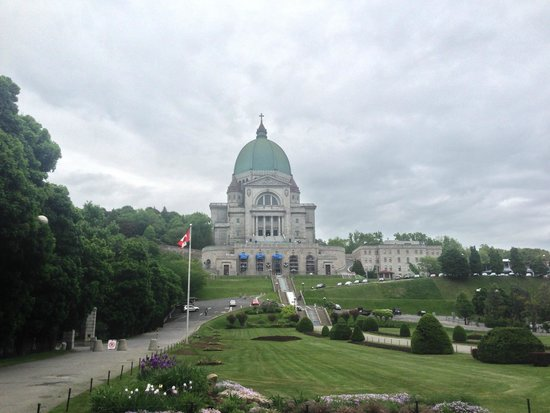 St. Joseph's Oratory of Mount Royal: Front Facing View