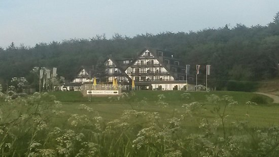 Schlosshotel Sophia: Vanaf de grote weg .