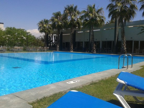 El Plantio Golf Resort: Pool area