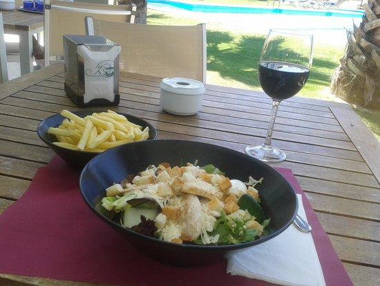 El Plantio Golf Resort: Typical hotel lunch - Caeser Salad