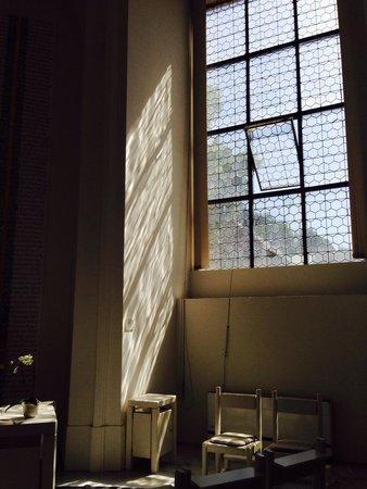 Dom St. Blasien: Lichtspiel im Andachtsraum.