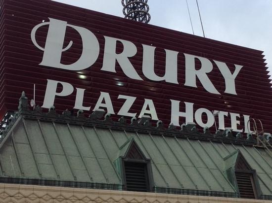 Drury Inn & Suites San Antonio Riverwalk: picture from the roof top pool