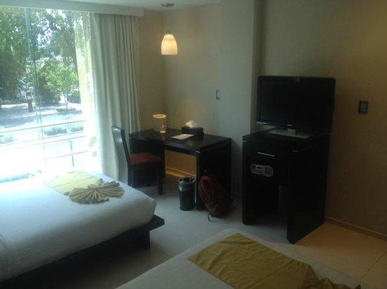 Hotel El Espanol Paseo De Montejo: Mesa de trabajo
