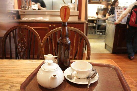Elephant House : чай и номерочек заказа