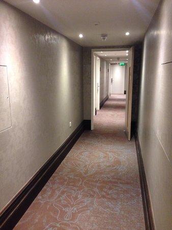 Motel One Edinburgh-Princes : Corredor