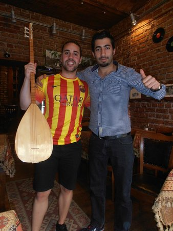 Keyf-i Mekan Cafe And Restaurant: Typical turkish instrument