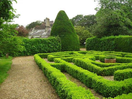 Hollybank House: The maze