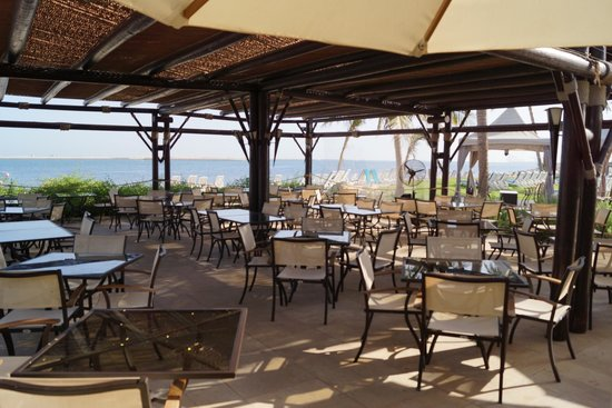 JA Palm Tree Court: Restaurant Captains